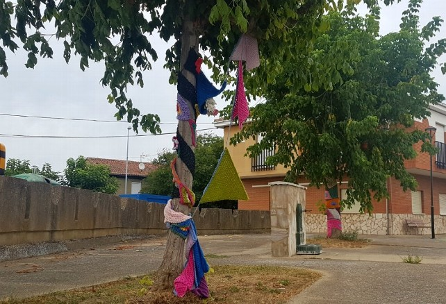 'Urban knitting' en Sariegos. 2