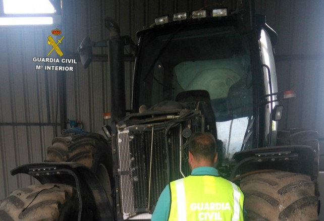 Tractor recuperado por la Guardia Civil.