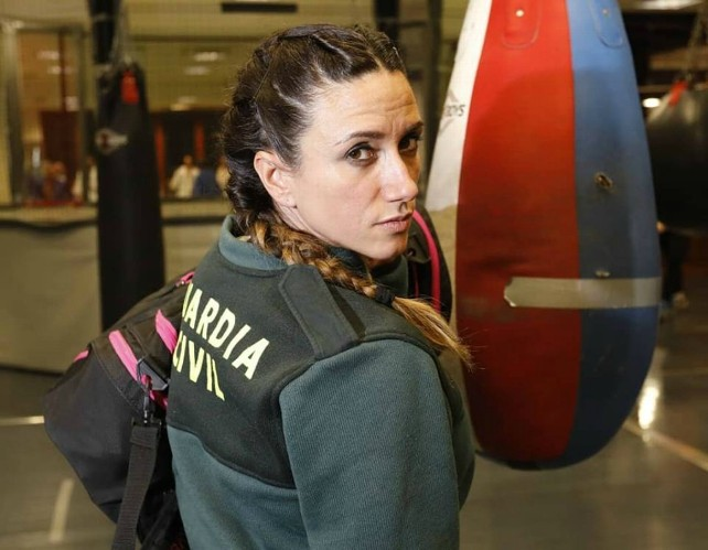 yohanna alonso campeona guardia civil muai tai