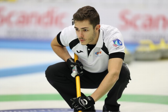 Edu de Paz Curling